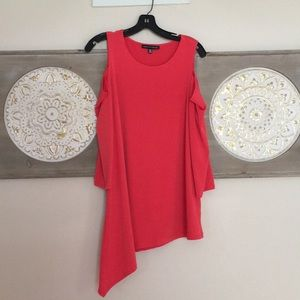 Beautiful Cold shoulder 3/4 sleeve blouse/top